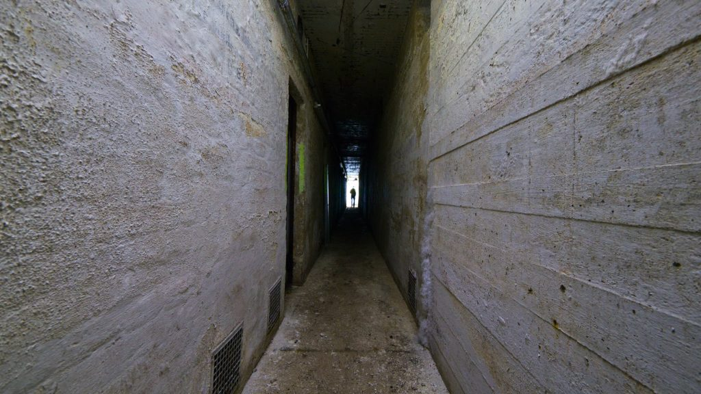 Der Bunker hat unter anderem 10 Bettenräume und 17 Sitzräume